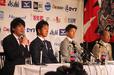 左から四国アイランドリーグplus・鍵山 誠CEO、高知ファイティングドッグス・藤川 球児投手、梶田 宙代表取締役社長、弘田 澄男監督