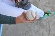 香川オリーブガイナーズ・松本 直晃投手の親指の腹でひっかける独特のストレート握り
