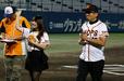 この日は「グラゼニナイター」グラゼニ女子・橋元優奈さんと広報大使・森 一八さんも来場した