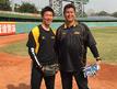 練習後の鄭凱文選手(左)と(写真提供者:養父鐵コーチ)