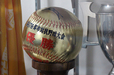 Honda野球部の全国大会での活躍が見て取れる表彰物