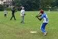 スリランカで野球指導を行う野村 謙二郎氏(Nコーポレーション提供)